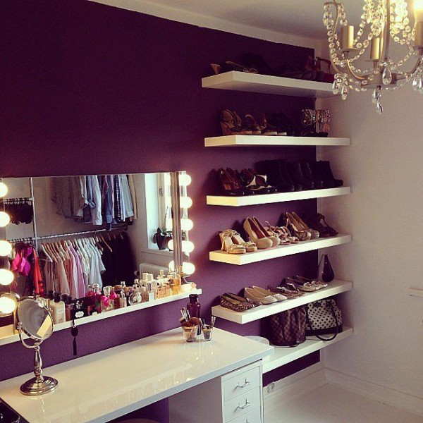 boudoir with shelves for shoes