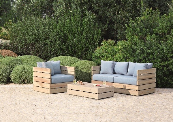 sofa made from pallets on the street
