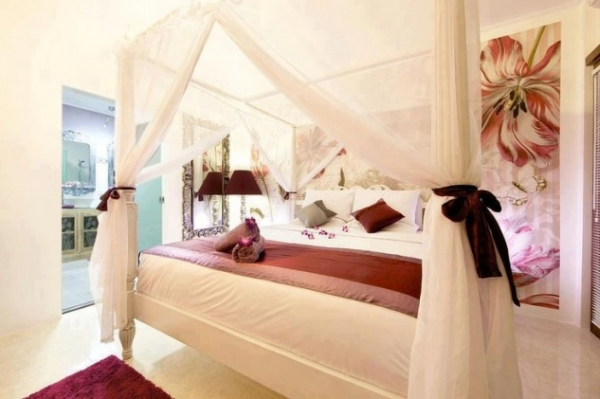 Make Your Bedroom More Romantic With Beautiful Canopy Beds